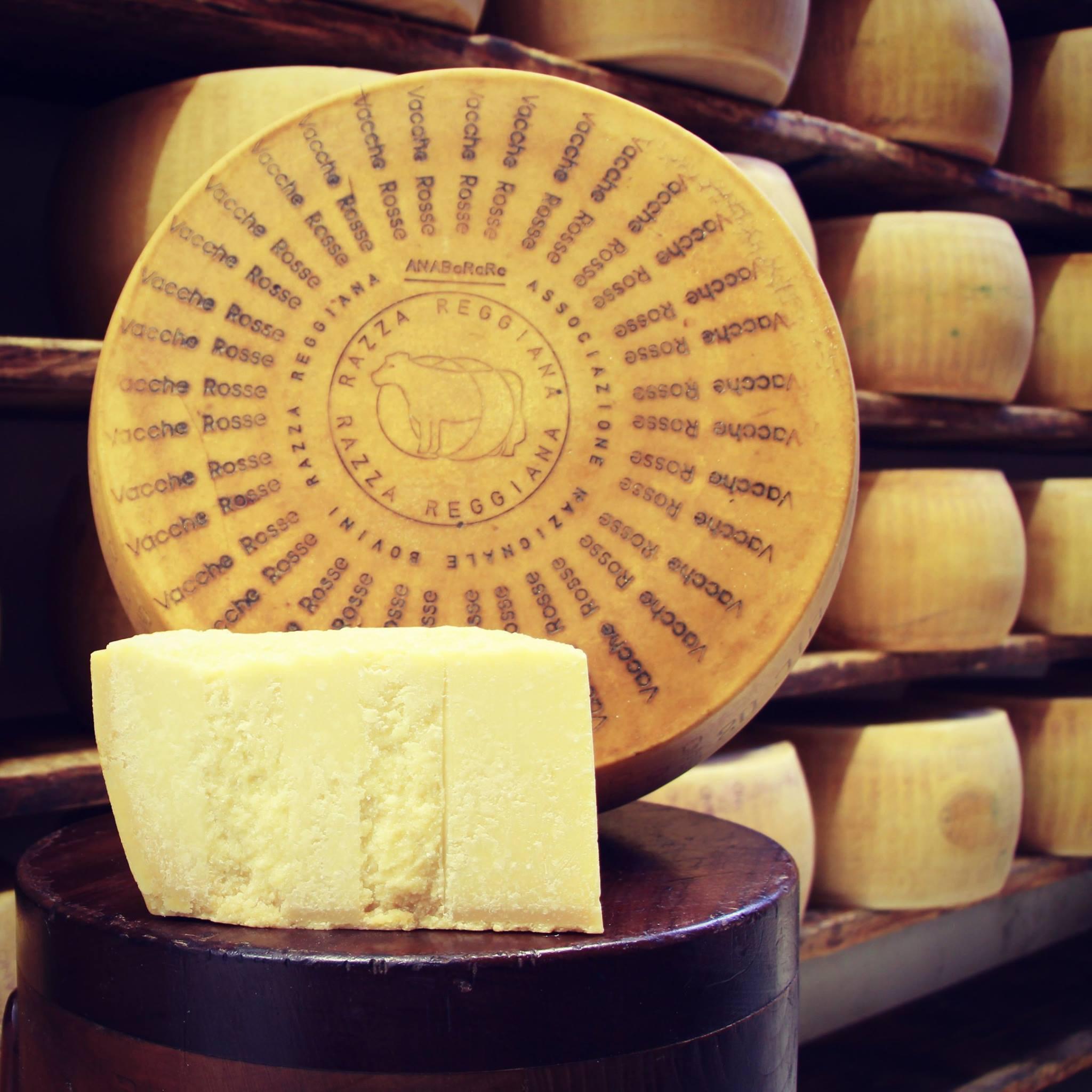 Parmigiano Reggiano Vacche Rosse - 24/30 mesi 0,50 / 0,55 Kg.